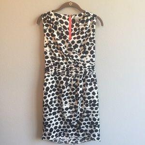 Sleeveless H&M dress. White/ black design. Size 4.